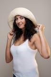 Fällige Frau in einem Hut Lizenzfreies Stockfoto