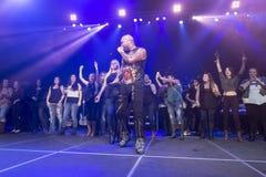 Flo Rida na fase no lugar de Credit Union imagem de stock royalty free