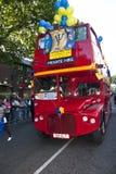 float för barbados karnevaldansare arkivbilder