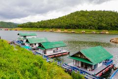 Floating hotel houses on Kwai river Royalty Free Stock Images