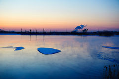 The floating ice on the lake Royalty Free Stock Photos