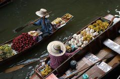 Free Floating Market Royalty Free Stock Photography - 529887