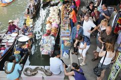Floating market, Damnoen Saduak, Thailand Stock Images