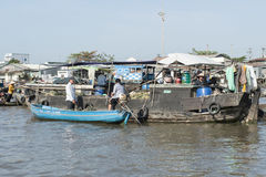Floating market in the Mekong river, Vietnam Stock Photography
