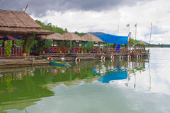 Floating restaurant on the dam Royalty Free Stock Photos