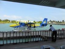 Floatplane a amarré sur le terminal Images stock
