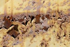 Flockige Farbe auf alten Rusty Metal Stockfotos