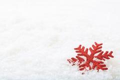 Floco da neve no fundo da neve Imagens de Stock
