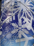 Floco de neve no fundo azul (vertical) Imagem de Stock Royalty Free