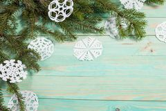 Floco de neve de papel e amarrado com guita Imagens de Stock Royalty Free