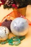 Flocon de neige brillant et éléments décoratifs Photographie stock libre de droits