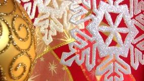 Flocon de neige de Noël sur un fond de fête banque de vidéos