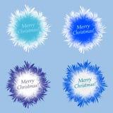 Flocon de neige pelucheux différent réglé sur le fond bleu Image libre de droits