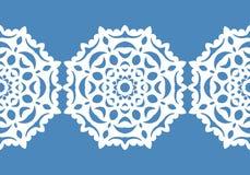 Flocons de neige blancs Configuration de Noël Ornement circulaire et dentelle décorative Vecteur Photos libres de droits