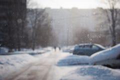 Flocons de neige en baisse dans la ville Photographie stock libre de droits