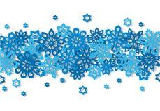 Flocons de neige sans couture de frontière d'isolement sur le fond blanc Image stock