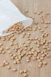 Flocos crocantes dispersados Imagem de Stock Royalty Free