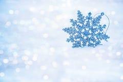 Flocos de neve abstratos Defocused no bokeh da neve Fotografia de Stock