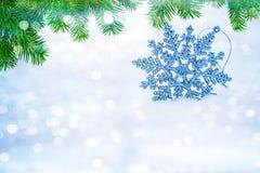 Flocos de neve abstratos Defocused no bokeh da neve Imagens de Stock
