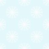 Flocos de neve brancos em pálido - fundo azul Fotografia de Stock Royalty Free