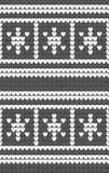 Flocos de neve brancos fundo cinzento no teste padrão feito malha Textura de confecção de malhas da ilha justa do inverno Imagens de Stock Royalty Free