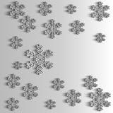 Flocos de neve de papel para o cartão do ano novo, fundo do inverno Imagens de Stock
