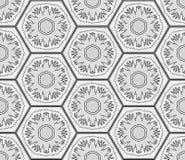 Flocos de neve do Grayscale no fundo sem emenda dos hexágonos Teste padrão dos feriados de inverno Imagem de Stock Royalty Free