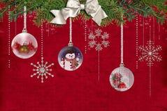 Flocos de neve e ornamento Fotografia de Stock