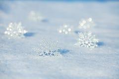 Flocos de neve na neve Fotos de Stock Royalty Free