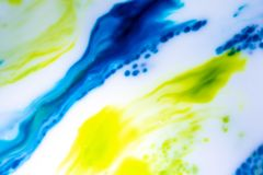 Flocs abstraits d'encre de couleur primaire photographie stock