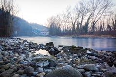 Flod Adda och vattenkraftväxten Esterle Arkivbild