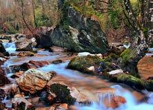 Flod av berg med stenar royaltyfria bilder