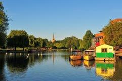 Flod Avon i Stratford Royaltyfria Bilder