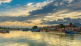 Flod Cai Fishing Boats Sunset Sky Arkivfoto