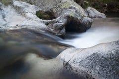 Flod Cambrones i La Granja de San Ildefonso segovia Royaltyfri Fotografi