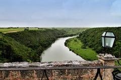 Flod Chavon i Dominikanska republiken Royaltyfri Foto