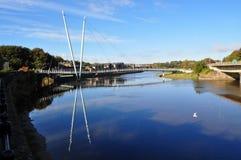flod för brolunemillenium Arkivbilder
