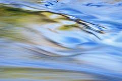 flod för islepresquereflexioner Royaltyfria Foton