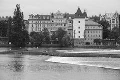 Flod för Praha stadssikt Arkivfoton