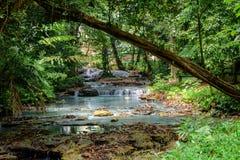 Flod från den Saluopa vattenfallet i Tentena Royaltyfria Foton
