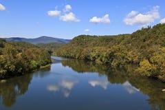 Flod i bergen Royaltyfri Foto