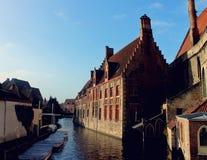 Flod i Brugge, Belgien royaltyfri foto