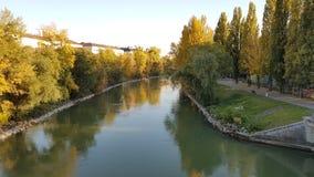 Flod i höst Royaltyfri Bild