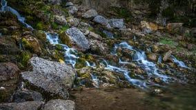 Flod i Jura Mountain Arkivfoto