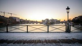 flod i Paris Royaltyfri Foto