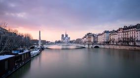 flod i Paris Royaltyfri Bild