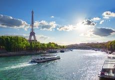 Flod i Paris Arkivfoto