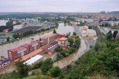 Flod i Prague Arkivfoton