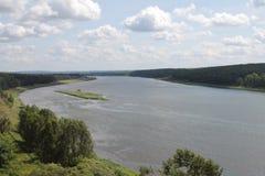 Flod i Siberia Royaltyfria Bilder