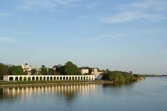 Flod i Velikiy Novgorod Arkivbilder